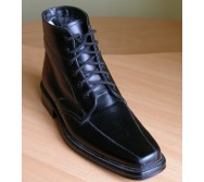 Черевики на шнурках