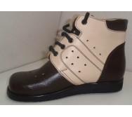 Черевики на шнурках з м'яким кантом, заготівка верху з відрізними деталями та перфорацією