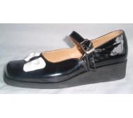 Туфлі літні з черезпідйомним ремінцем на пряжці